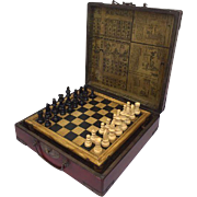 A chess game in wooden painted suitcase complete with stones - China - Second half 20th century