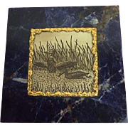 A marble box with tin plaquette of two ducks with gilded border - Second half 20th century
