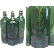 Three green glass decanters with engraving - Hand engraved by Wolke - Germany - Approx. 1940/1950