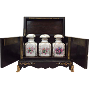 Napoleon III tea cabinet inlaid with brass and mother-of-pearl - with 3 porcelain bottles - France - Ca. 1880
