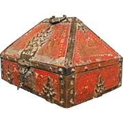 Arts & Crafts Small Chest  ff714