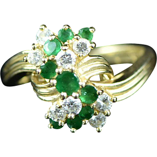 Vintage 14K 0.36 Cttw Emerald and Diamond Cluster Ring Size 6.75 Yellow Gold