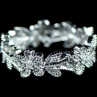Vintage 14K 0.12 Cttw Diamond Floral Motif Flower Eternity Stackable Ring Size 6 White Gold