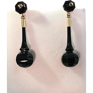 Fabulous Victorian 10kt Yellow Gold Carved Onyx Hanging Drop Earrings