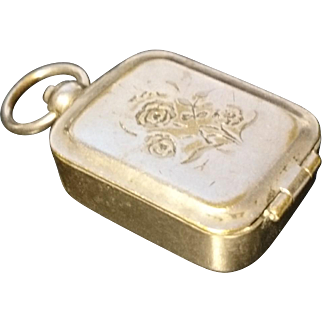 Lovely antique silver plated vinaigrette pendant, floral engraved, antique pendant