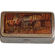 Beautiful British snuff box with huntsmen scene