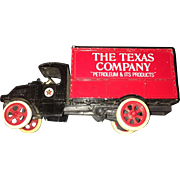 Vintage 1925 Texaco Mack Bulldog Lubricant Truck Toy Bank  Replica by Ertl  Circa 1988