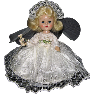 Lovely 1955 MLW Vintage Vogue Ginny Doll #64 Bridal Trousseau