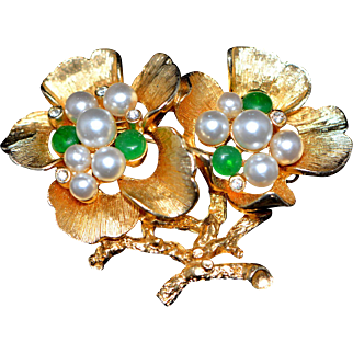 Vintage Brooch/Pin Simulated Pearls & Crystal Stones Flowers Marked Capri 1960-s