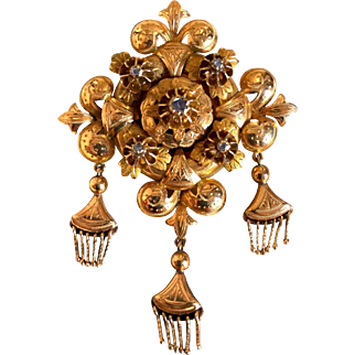 A Wonderful Spanish 18 k Gold and Natural Diamonds Brooch