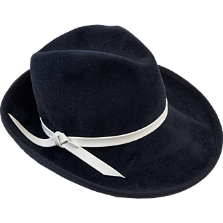 Ladies Vintage Fedora, Wide Brim Navy Hat, White Leatherette Band, Hat Size 22