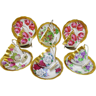 6 Queen Anne heavy brushed gold teacup duo, Striking set for 6