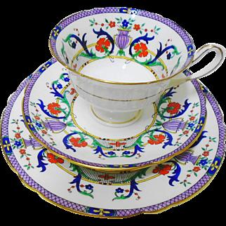 Shelley Gainsborough Mauve URN tea cup and saucer trio