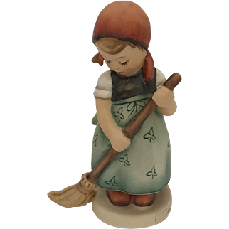 Goebel Hummel - Little Sweeper