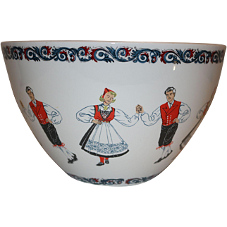 Figgjo Flint Norway Hardanger Dancers Traditional Folk Wear Large Mixing Bowl 1960s