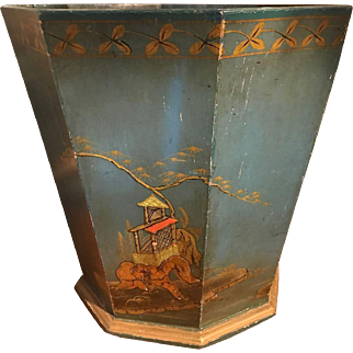English blue lacquered and chinoiserie decorated basket, circa 1930.
