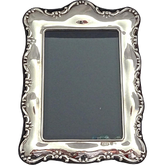 Carrs Sterling Silver Photo Frame; Sheffield 1994 (New Old Stock), medium size
