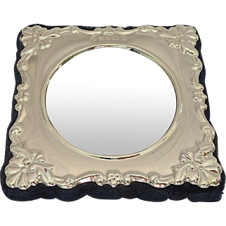 Carrs Sterling Silver Photo Frame; Sheffield 2000 (New Old Stock), small circular size (#1 of 2)