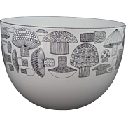 1970s Modern Arabia Finland Enamel Metal Mushroom Bowl