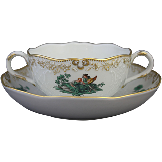 Meissen Green Watteau Courting Scene Soup Bouillon Bowl and Saucer (1 of 4)