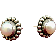 Vintage Navajo  Sterling Silver Artie Yellowhorse  Rising Sun Design Stud Earring With  Cultured Pearl