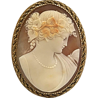 Large Antique Beautiful Victorian Hand Carved White Shell And 14K Yellow Gold Cameo Pendant/Pin!!