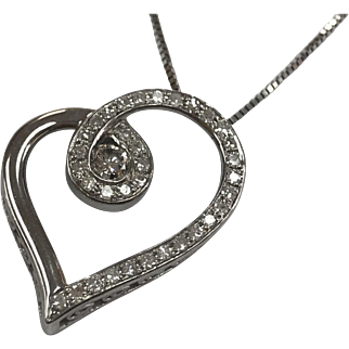 Vintage 14K White Solid Gold Chain Necklace  With  Heart  Diamond  Pendant!!
