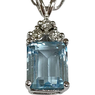 Solid 14K White Gold Chain With Aquamarine And Diamond Pendant Necklace