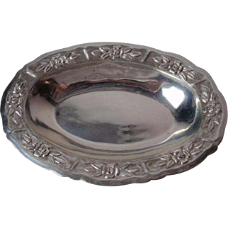 Sterling Silver Maciel Oval Serving Bowl with Ribs