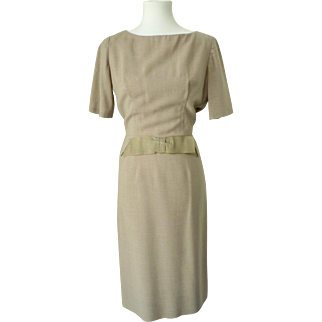 Classic Vintage 1950s Tan Tweed Dress with Bow