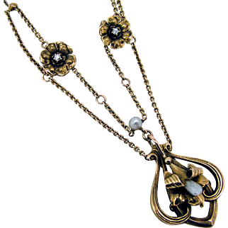 Art Nouveau 10k Dog Tooth Pearl Floral Diamond Necklace