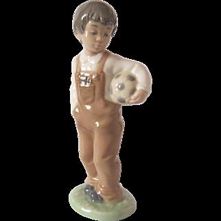 "Lladro Nao Figurine #1068 ""Wanna Play"" Boy With Soccer Football  Free Shipping"