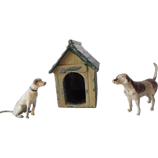 1930s Britains Painted Lead Two Hounds And A Kennel For Your Dollshouse