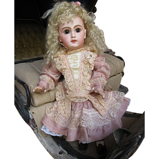 antique Bebe Jumeau size 6 closed mouth 15 in