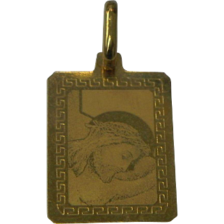 19 karat Gold Pendant Acid etched Miniature Image of Jesus Amazing Detail for size
