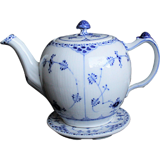 Unique Royal Copenhagen - Sets of Teapot and Tray - Blue Fluted Half Lace # 611 # 736 -Design By Arnold Krog - White & Blue Best China