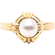 Vintage Tiffany & Co. Pearl Ring in 18K Yellow Gold