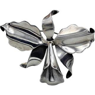 Vintage Hector Aguilar Taxco Mexicana amazing 940 silver Orchid Flower brooch 1940's