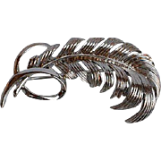 Elegant signed Coro silver tone metal dimensional Feather Brooch Pin