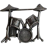 Unique & weighty Vintage Mexico signed MEX 925 TM-40 figural Drums sterling silver 3D Brooch Pin
