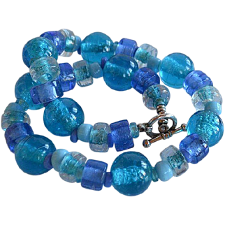 Chunky Vintage lamp work art glass Turquoise & Blue Glass beaded Necklace with toggle clasp
