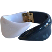 Book Piece Vintage 50's French Navy Blue & White Lucite Plastic Bypass Hinged Bracelet