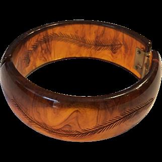 Vintage Carved Root Beer or Iced Tea Bakelite Clamper Bracelet