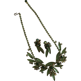 Unsigned Delizza & Elster (Juliana) Necklace and Earrings, Stunning Green Rhinestone Demi Parure