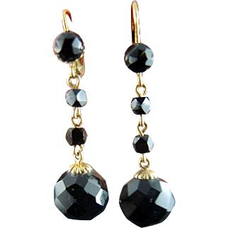 Mourning French Victorian Earrings In Gold With Jet Balls - 19th Century