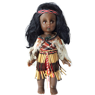 Maori Doll from New Zealand / RARE 1970's Souvenir / Traditional Kapa Haka costume