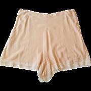 Peach Lace Appliqued Tap Pants Lingerie ~ c.1947 ~ European step-in-panties