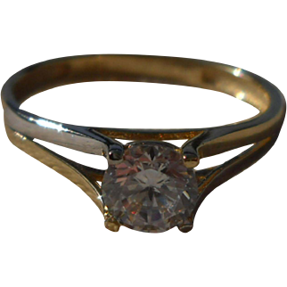 Solitario Ring - 14 Kt Bi color Gold and Cubic Zirconia