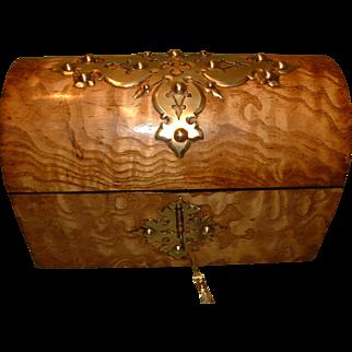 Unusual Tamo Ash Dome Top Box. c1880