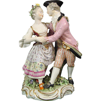 Derby 18th Century Porcelain Figure of a Pair of Lovers Dancing c.1785.